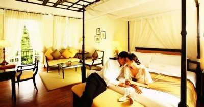 Couple in a reosrt during honeymoon in Malaysia