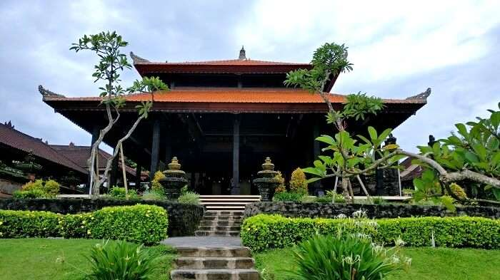 The Tanah Lot temple in Bali