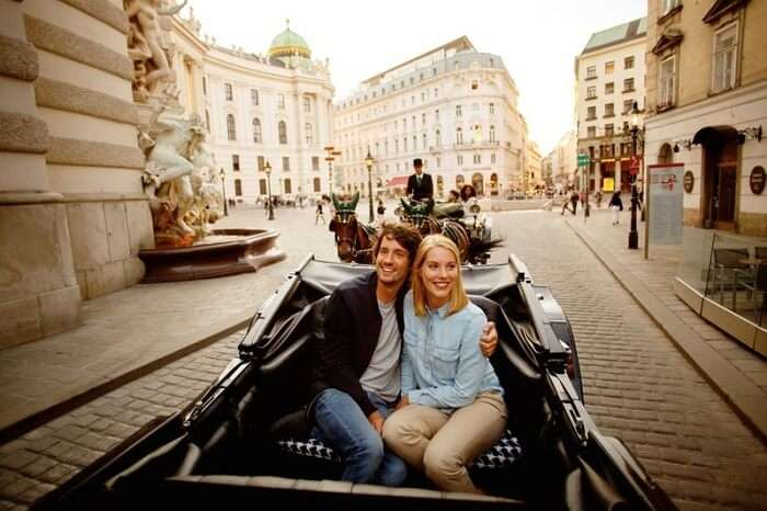 romantic couple in Vienna