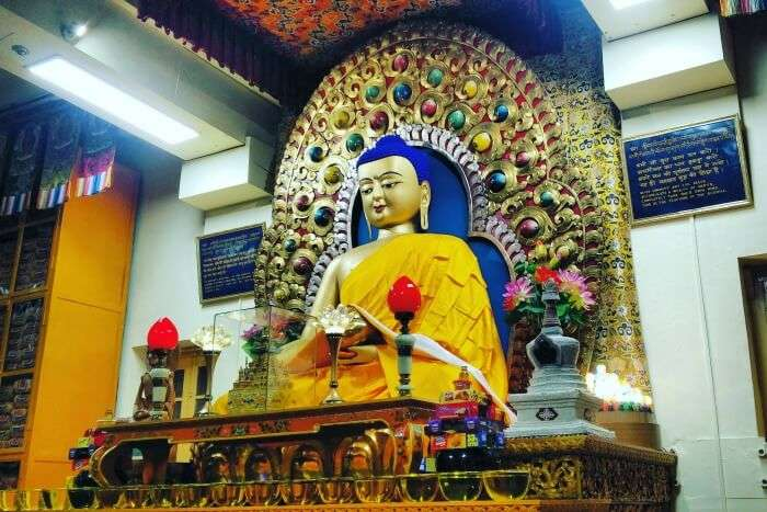 mcleodganj temple statue