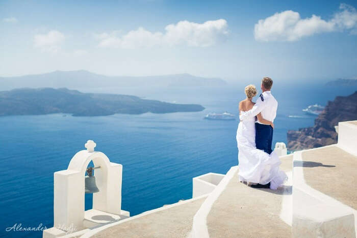 Honeymoon couple in santorini