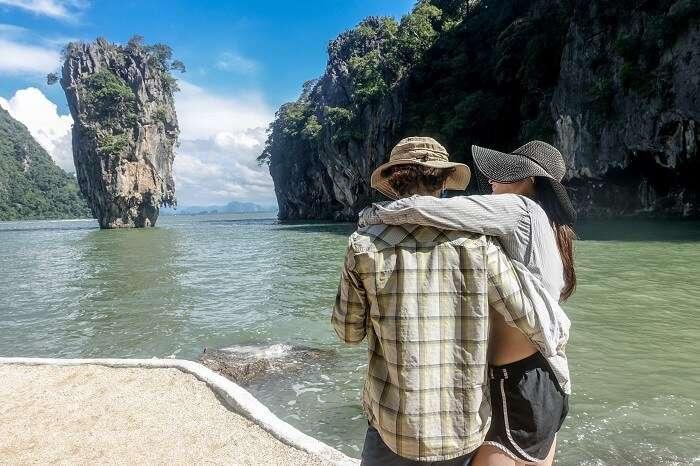 A couple on a 2 seas-canoe tour in Phuket