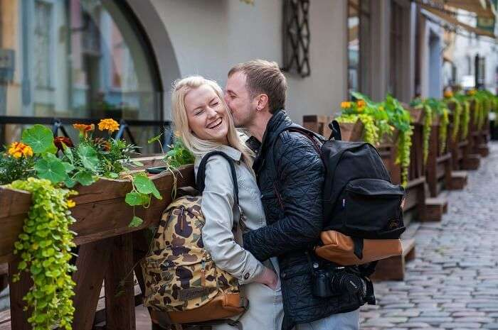 honeymoon couple in tallinn