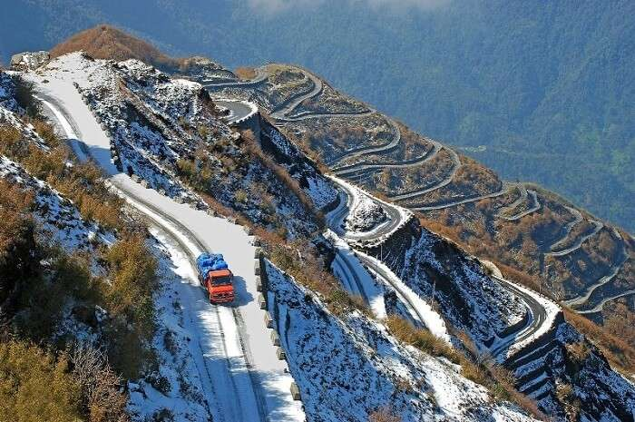 Dangerous roads in Gangtok