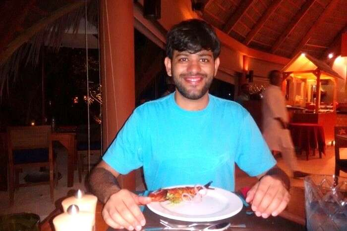 enjoy luxurious food in maldives