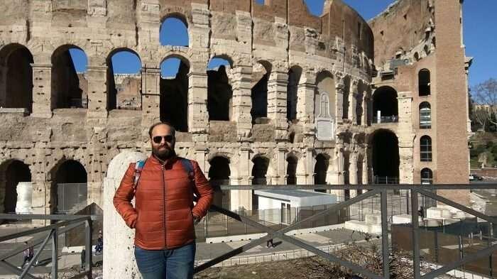 Vishal outside the colosseum