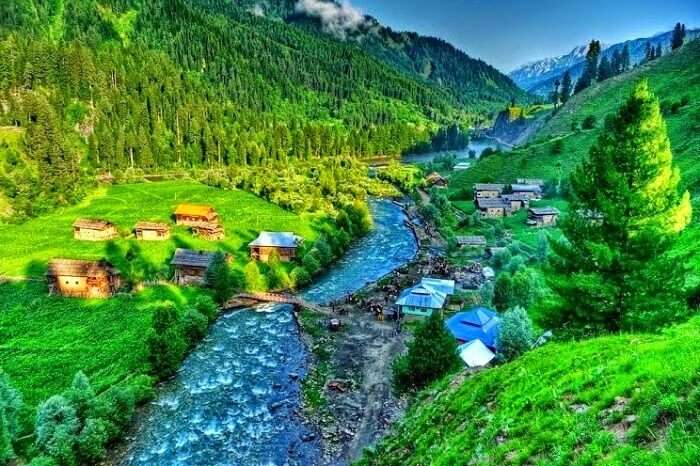 Valleys and mountains in Kashmir