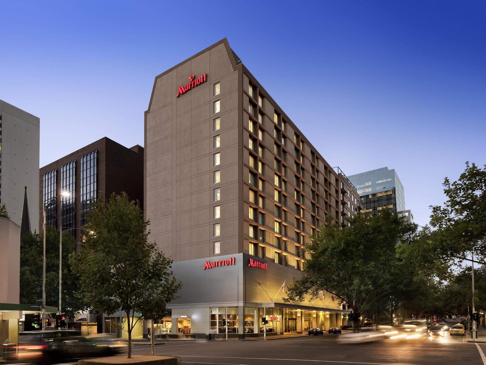 side profile of Melbourne Marriott hotel