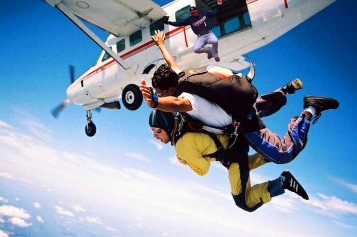 A travel skydiving in Mauritius