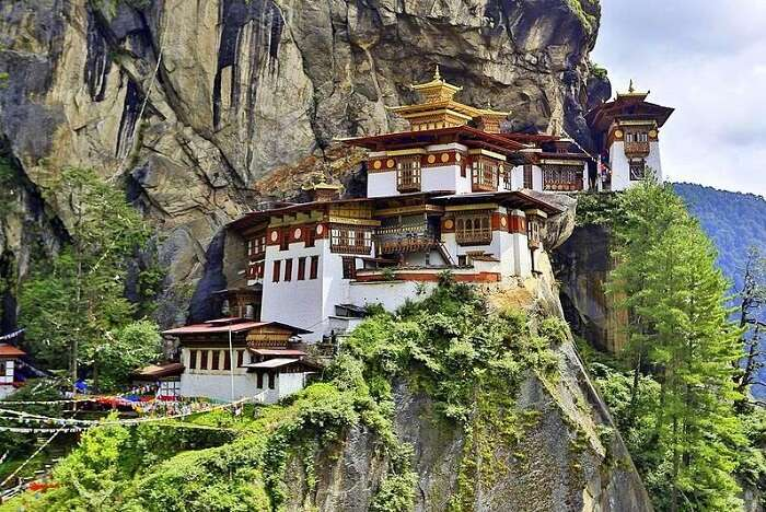 visit tiger's nest in Bhutan