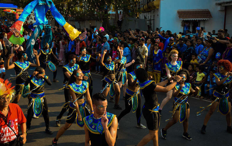 girls dancing during Goa carnival