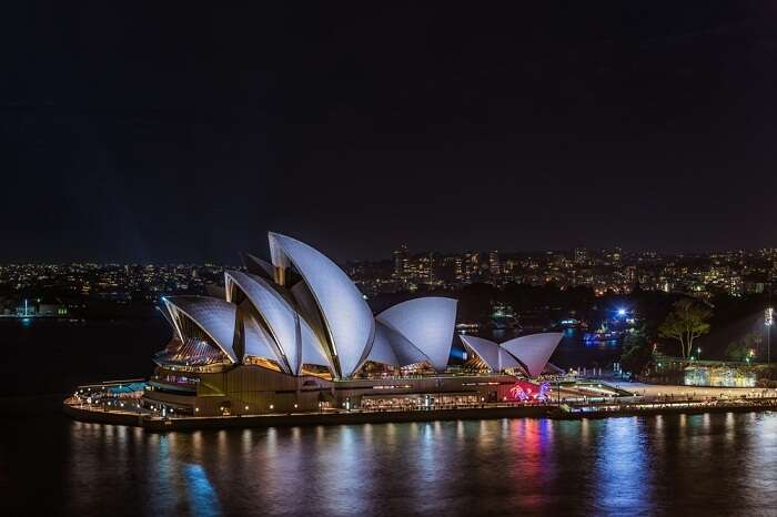 A night shot of the Sydney Opera House in Australia