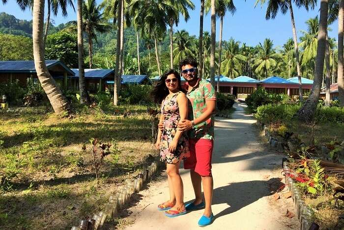 romantic couple honeymooning in Andaman
