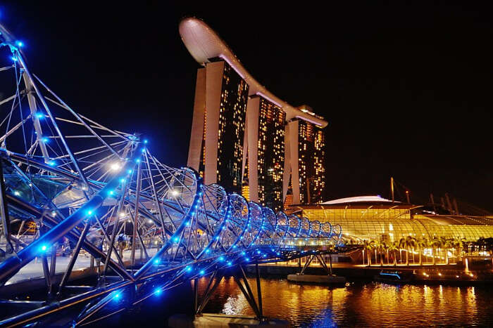 Take incredibly beautiful pictures at The Helix Bridge
