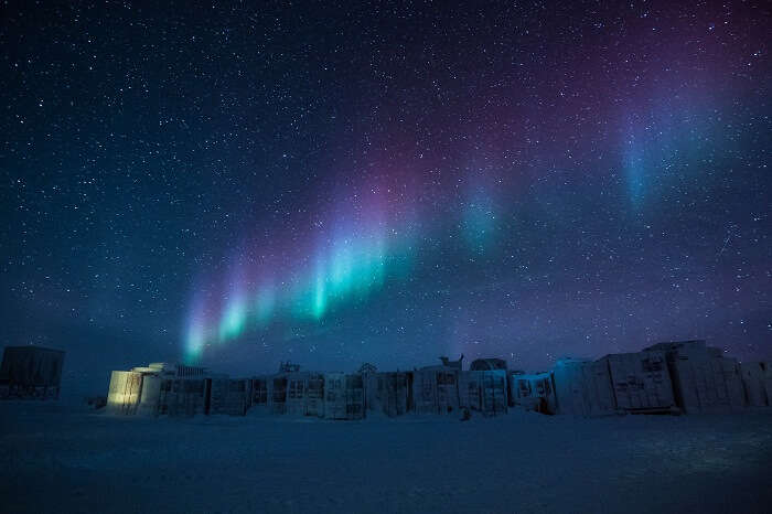 Auroa Australis over the base camps in Antarctica