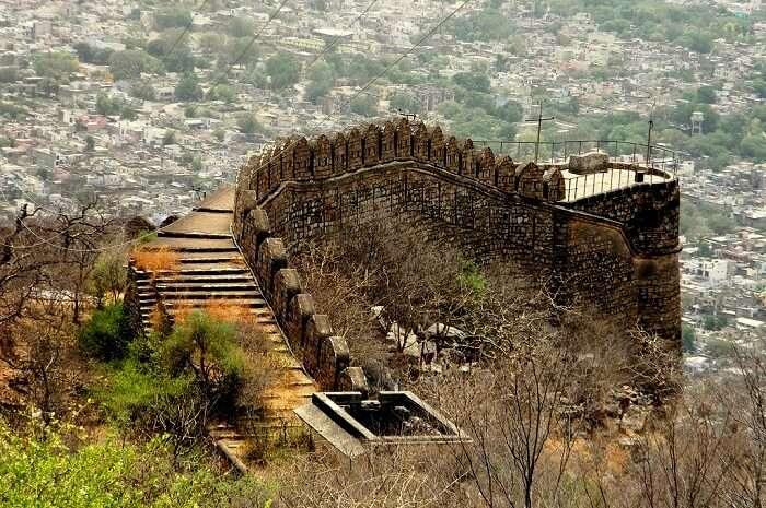 places to visit near neemrana