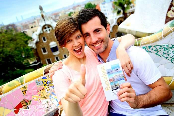 Honeymoon couple in Barcelona