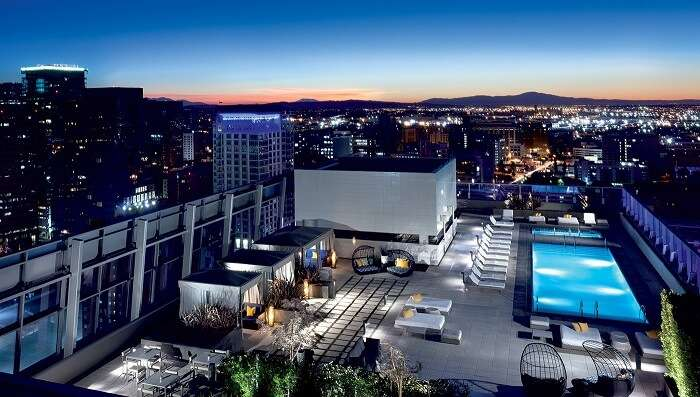 luxury hotel to stay in los angeles