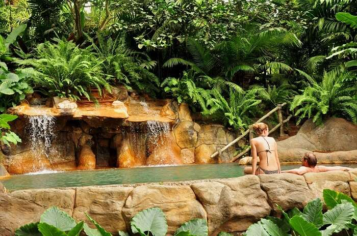 Couple at La Fortuna hot spring