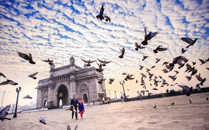 A couple in Gateway of India