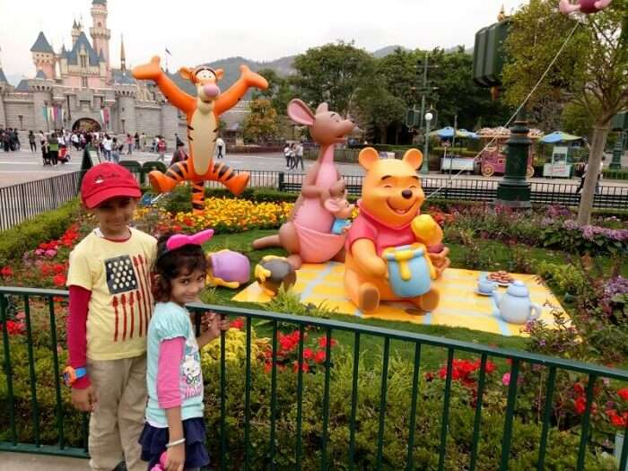 kids in disneyland hong kong