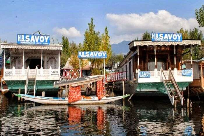 acj-1804-Savoy Group of Houseboats