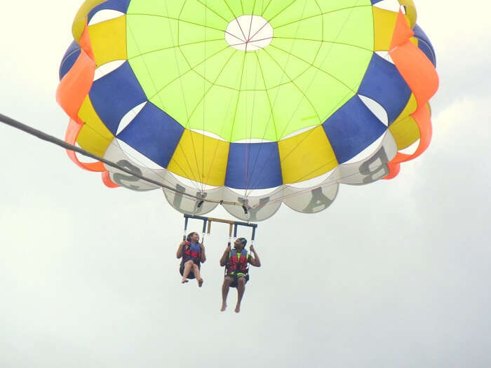parasailing at the benoa beach
