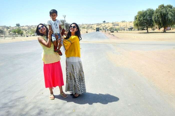 clicking pictures on the way to longewala