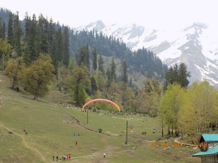 paragliding in himachal