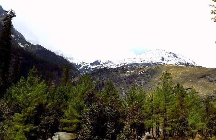 snow capped peaks in himachal