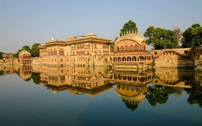 Deeg Palace in Bharatpur by a lake ss18052017