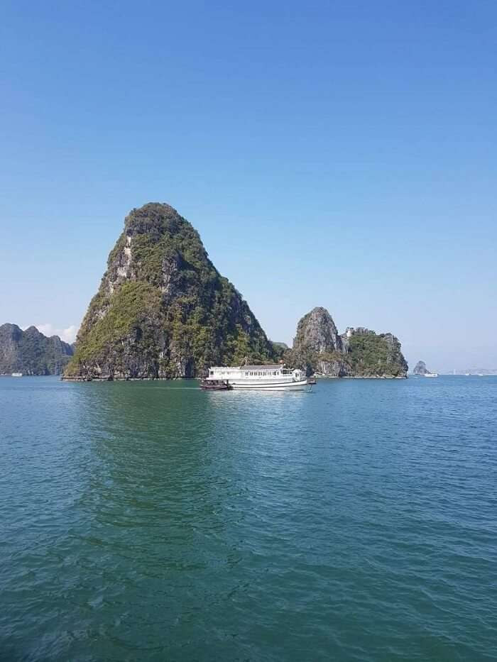 natural beauty of halong bay