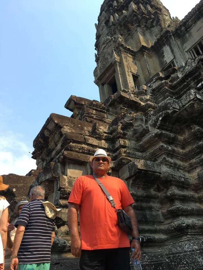 tour of the angkor wat temple