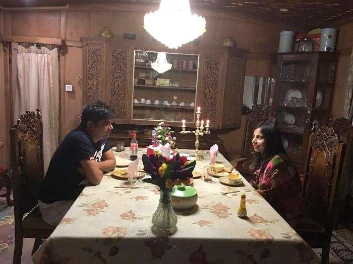 dinner in srinagar