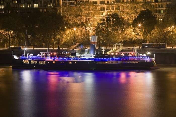 boat party cruise on Thames