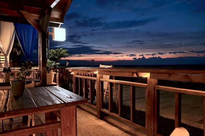 beaches and other romantic restaurants