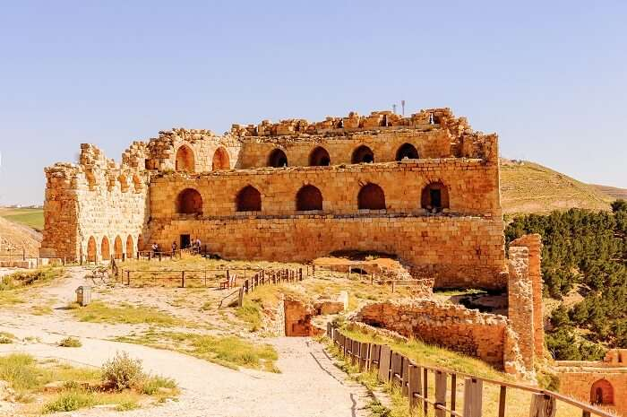 The cruisader castle of Al Karak that is covered in most Jordan tours