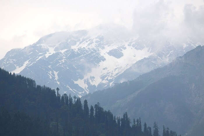 mountains in Manali