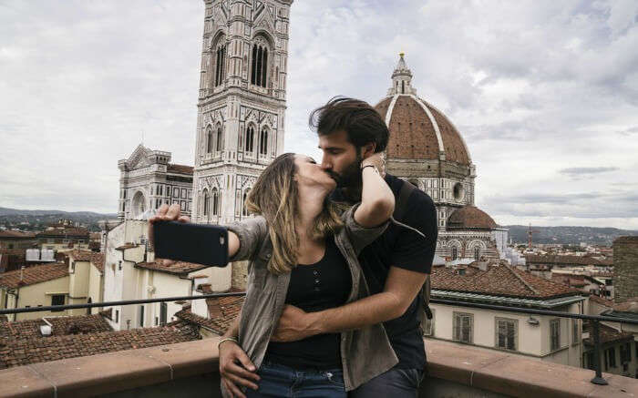 Couple romancing in Florence in Italy