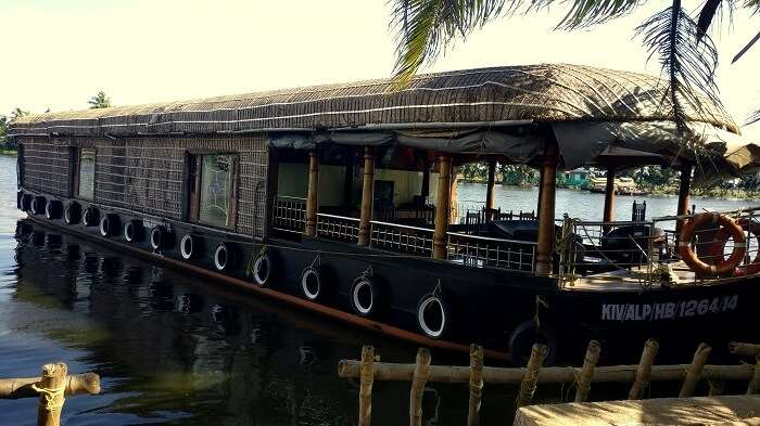 honeymoon in kerala