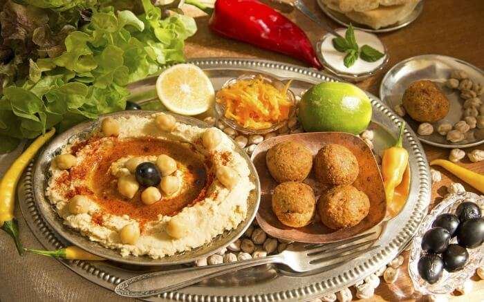 Jordanian food with hummus falafal