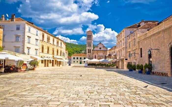 Pjaca Square Church Town in Hvar SS16062017