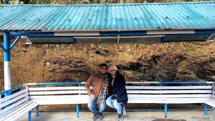 couple in darjeeling