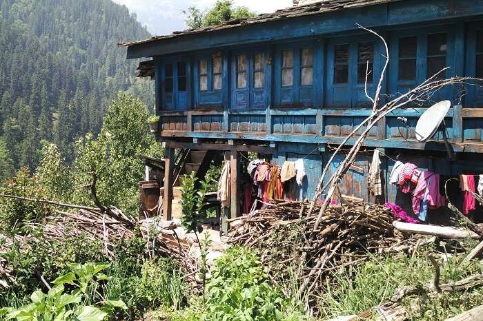 An old building in one of the villages of Parvati Valley