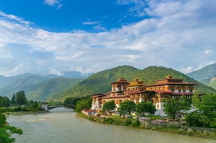 popular bhutan treks