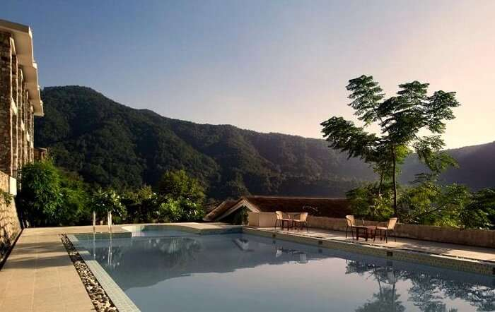 romantic budget resorts in uttarakhand