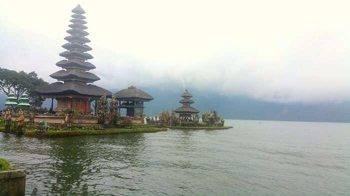 bedugul temple bali
