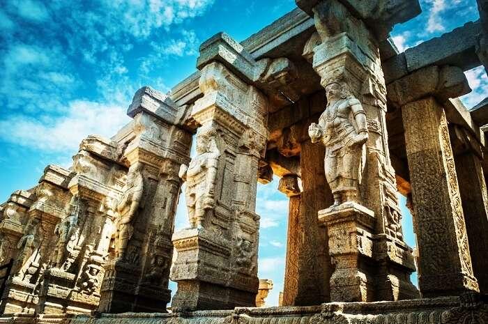 Historical ruins at Lepakshi