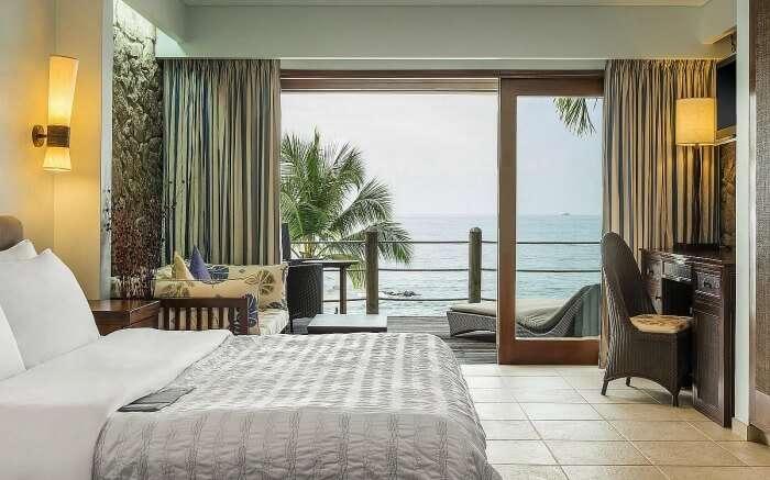 A beautiful room overlooking sea