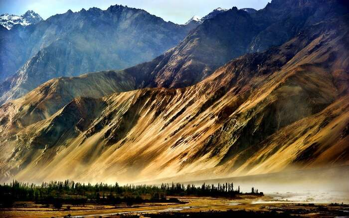 Magnificent mountain views in Dras in Kargil